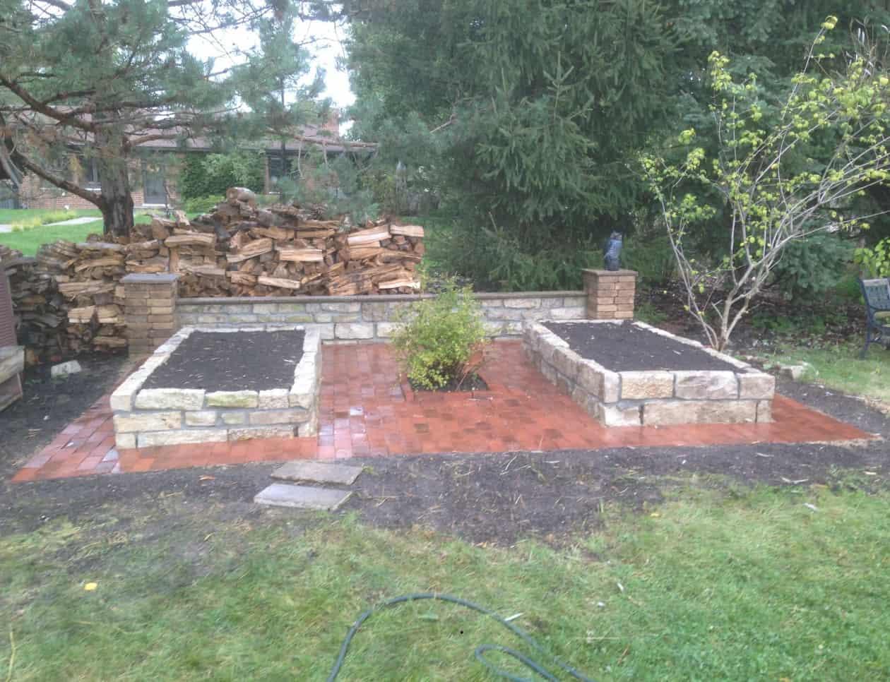 patio retaining wall combo